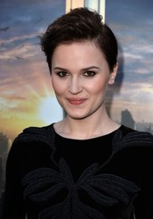 About the Author Veronica Roth
