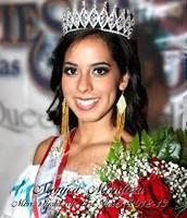 Crowning Of The Queen In Fiesta De Las Flores