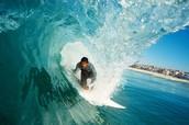 surf en los mares de hawaii