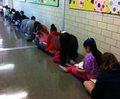 5th Graders Grab Reading Moments