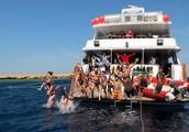 Скоро майские! Позови друзей с собой! Лучшие рифы Красного моря, дайвинг, вкусная еда и теплая компания - чего ждать еще от праздничных дней?