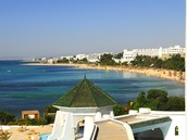 This is Hammamet, a town in Tunisia. Thanks to its beaches it is a popular destination for swimming and water sports. It is the first tourist destination in Tunisia.