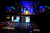 Control audio at music concerts