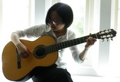 Hong Tee, Guitar