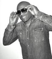 DJ SKINZ BIO.