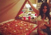 Vanessa Hudgens poses with monster pizza; makes entire world jealous in the process