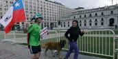 Estudiantes Corriendo por 1800 Horas