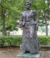 Anna Howard Shaw Statue