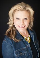 Nicole Kleppe, Lead Stylist