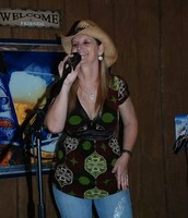 Zetha performing at Uncle Mikes Smoke House Plant City