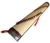 le «đàn tranh» (彈箏)
