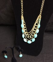 Gold / Turquois Necklace and Earring Set