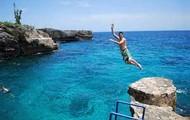 cliff diveing