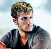 Alex Pettyfer as Alex Sheathes