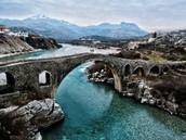 גשר לכל מוקם אלבניה