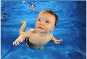 4-6 months old babies know to swim