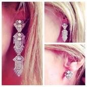 3 Earrings in 1