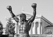 Tomen una fotografía de la estatua de Rocky Balboa.
