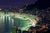 Η πόλη τη νύχτα