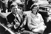 John F. Kennedy con su esposa en 1963