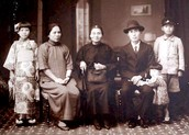 Taiwanese Family in 1930s