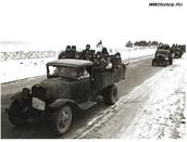 Автоколонна с бойцами направляется на оборону Москвы. Западный фронт
