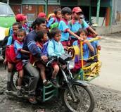 Los Estudiantes Necessitan Mejor Transportación