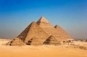 הפירמידות