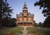 The Vaile Mansion in the summer.