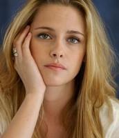 Kristen Stewart as Hana Tate