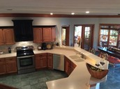 Kitchen - Perfect for entertaining!