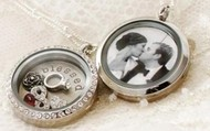 Let a Locket tell your story!