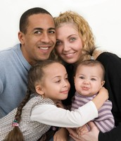 La Familia Moderna y Interracial