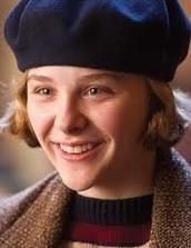 Chloë Grace Moretz (Isabelle)