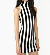 Vertical line clothing