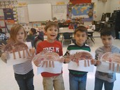 Sra. Aguado's class learning about reindeers in Spanish