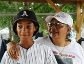 Mo'ne Davis and her mother