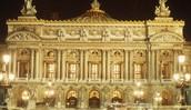 Aquí se actuó la película hecha en 2004. En el teatro de Ópera de París