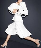 mekana torba i bela suknja