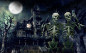 This mansion is available for all hew enjoy a fright ! You will stay forever