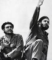 Che Guevara next to Fidel Castro