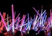 Star Wars Fans: Light Saber battle