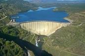 ¿Cómo se genera la energía en una central hidroeléctrica?