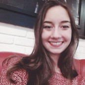 Letícia Fusaro (Relationship manager)