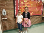 Even the students got into the 50's theme!