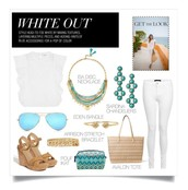 Who doesn't love a clean white look with a pop of color?