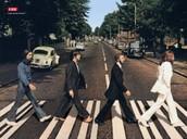 גל הגבר מאוד מאוד מאוד אוהב את הלהקה המצליחה בעולם---------      קבלו את החיפושיות!!!