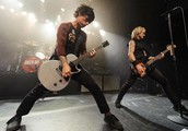 see Green day at Emirates stadium