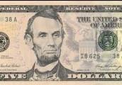 5 dollarit.