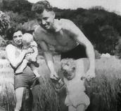 אוגוסט לנדסמר עם משפחתו